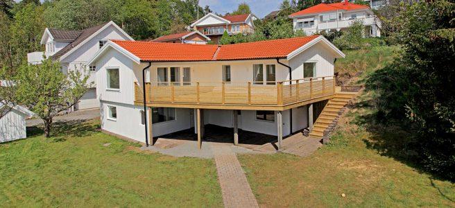 Foto på hus av Elmgrens Fastighetsbyrå